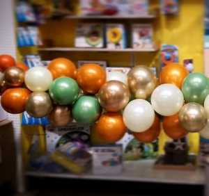 balloon garlands for baby showers
