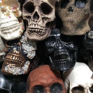 Halloween-decor-skulls